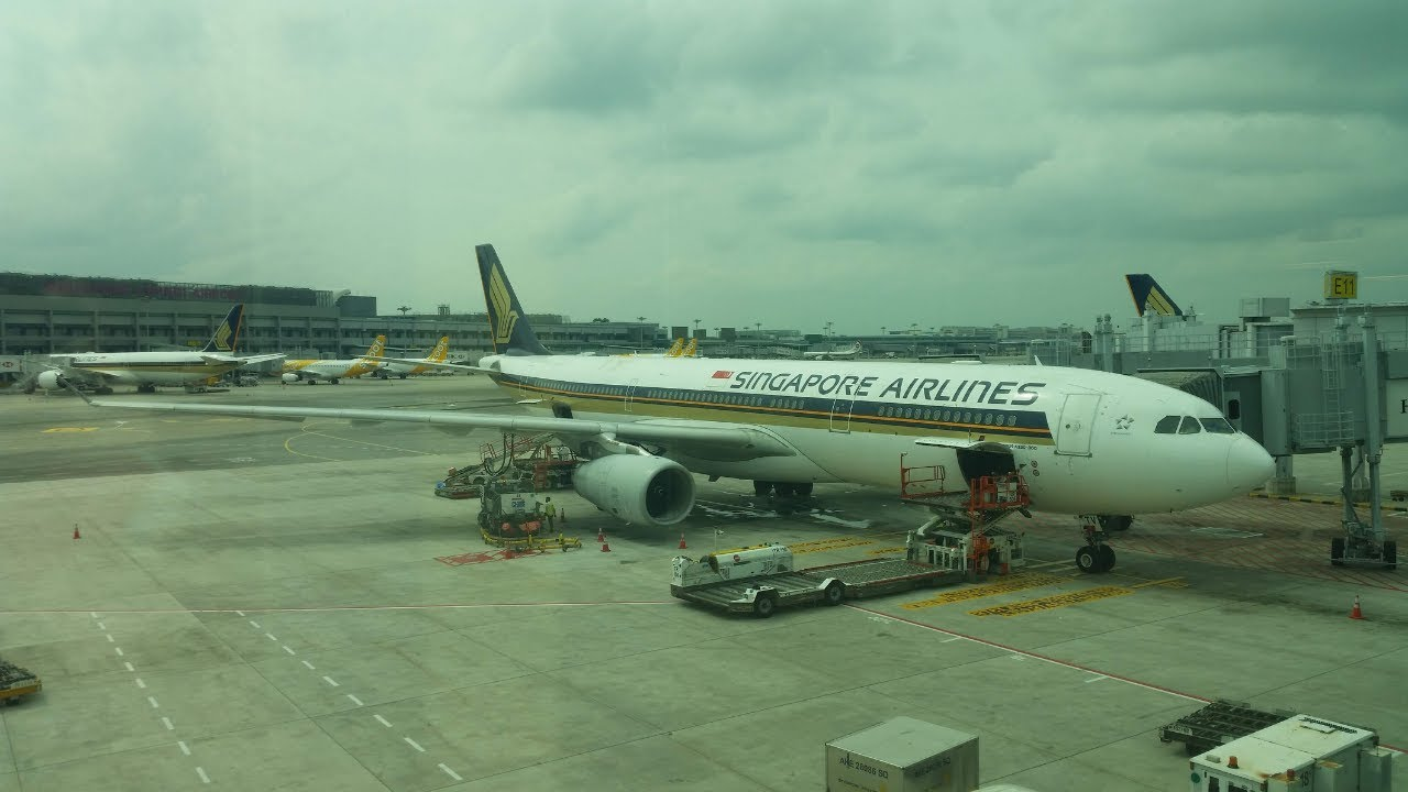 singapore airlines a330 300 review